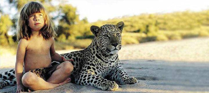 Το κορίτσι που έκανε παρέα με τα άγρια ζώα της Αφρικής!!!