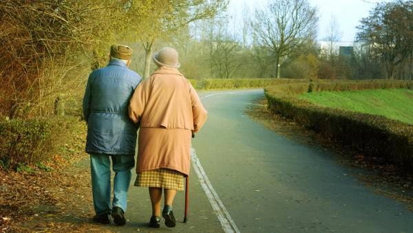 Οι παππούδες περιμένουν να σε δουν. Θα τους επισκεφτείς;