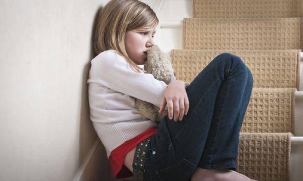 Κατάθλιψη σε παιδιά και εφήβους: Αιτίες εμφάνισης, συμπτώματα και θεραπεία!