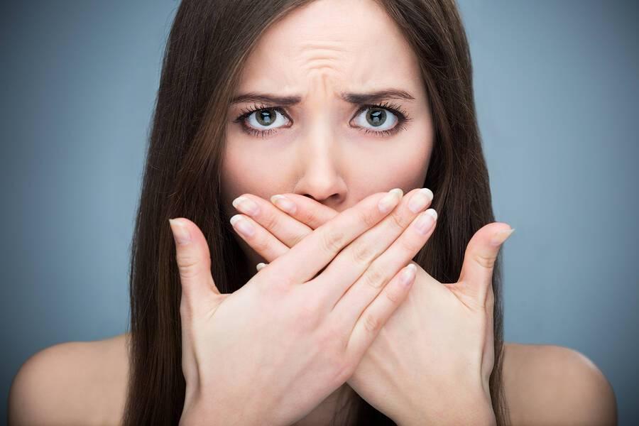 Αμυγδαλές: Τρία ενοχλητικά συμπτώματα & η αντιμετώπισή τους