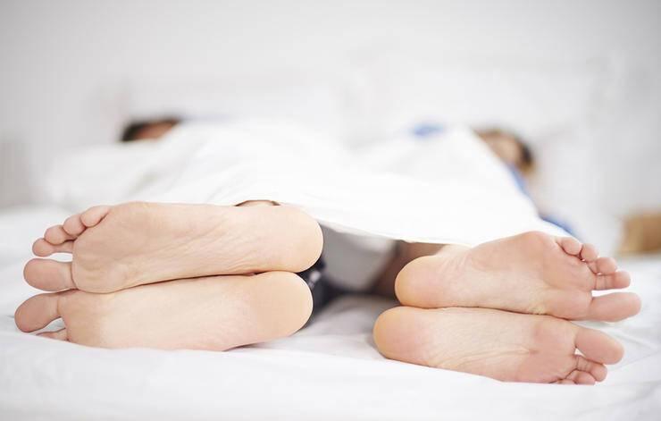 Επίμονο λίπος στην κοιλιά: 5 σημάδια ότι φταίνε οι ορμόνες σας
