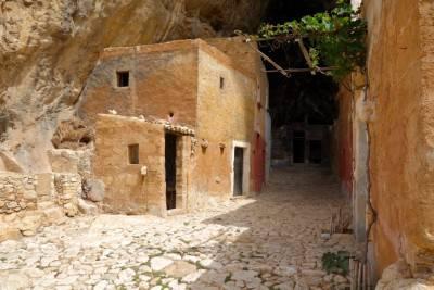 Grotta-Mangiapane8