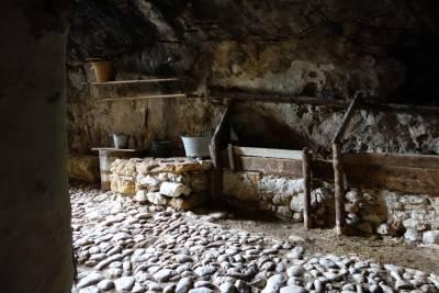 Grotta-Mangiapane2