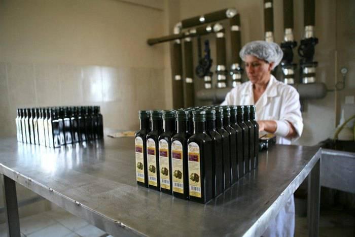 Χαρούπι: Από τροφή της κατοχής, «μαύρος χρυσός» στην Ελλάδα της κρίσης 15