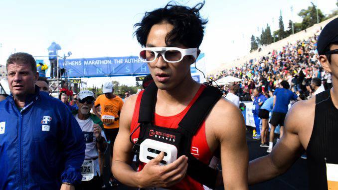 """Αποτέλεσμα εικόνας για Στον 37ο κλασικό Μαραθώνιο της Αθήνας πήραν μέρος κάποιοι τυφλοί αθλητές, οι οποίοι έτρεξαν με τη βοήθεια συνοδού."""""""