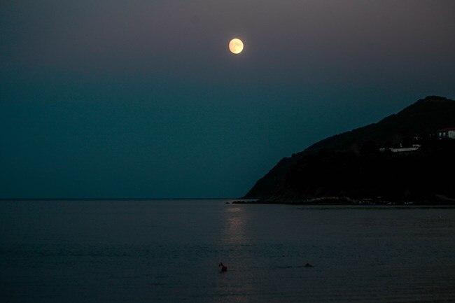 Πανσέληνος Σεπτεμβρίου 2020: Μαγεύει το τελευταίο φεγγάρι του καλοκαιριού - Πότε κορυφώνεται